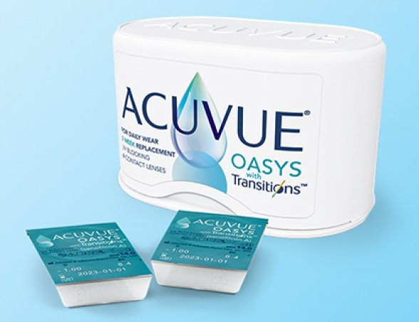 ACUVUE® OASYS contact lenses with Transitions™ photo